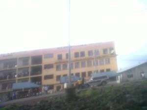 Le bâtiment du campus du lac ou fonctionnent 5 universités de la ville de Goma.