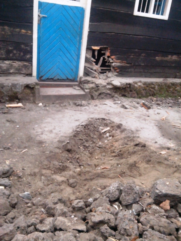 Trajectoire de l'explosif tombe au quartier Mabanga Nord, dans la ville de Goma (credit photo: Gaius Kowene)