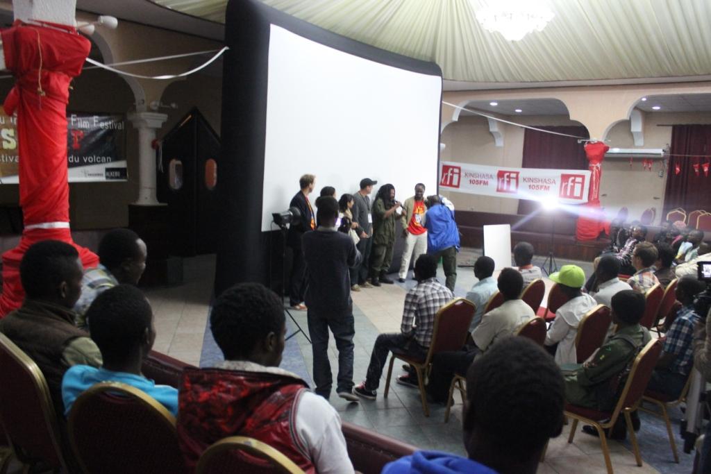 Présentation des invités spéciaux pendant la soirée d'ouverture du #SKIFF2013 (Crédit photo: Yolé!Africa)
