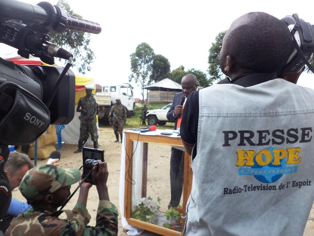 La presse couvrant l'investiture de Bertrand Bisimwa a la tête du M23 a Bunagana, RD Congo