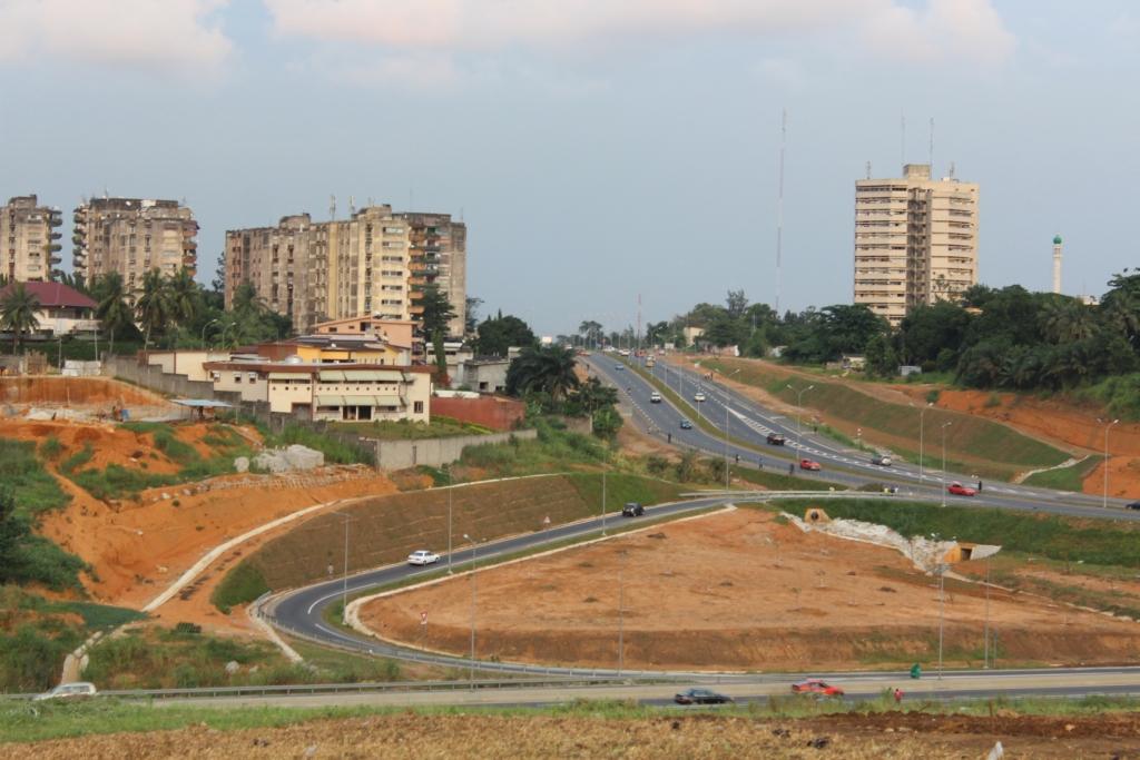 Ville d'Abidjan bue depuis l'Université Félix Houphouet Boigny (Crédit photo: Gaius Kowene)
